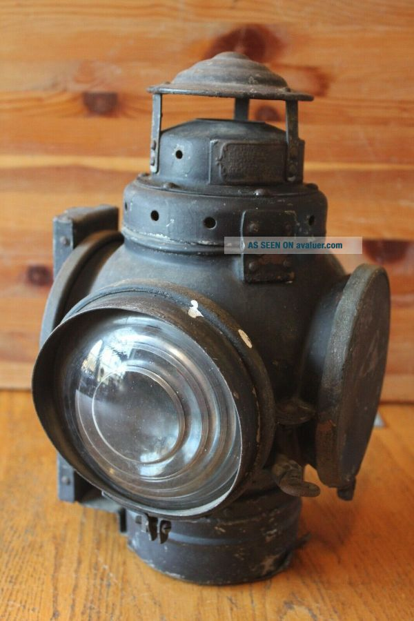 Antique Armspear Mfg Co NY Railroad Lantern Vintage Oil lamp Switch Train mount